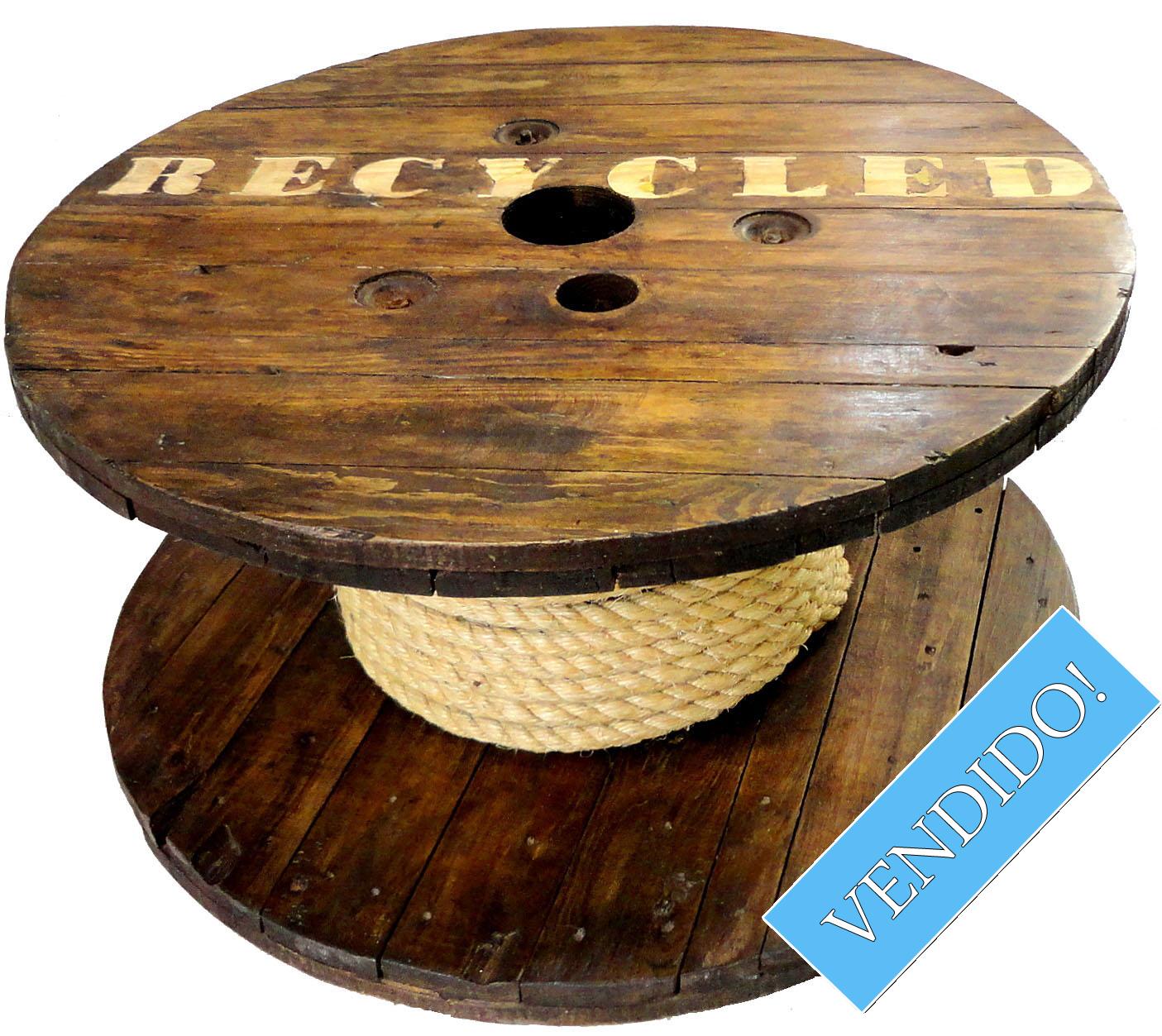 Mesa de bobina de madeira  A Casa Alternativa